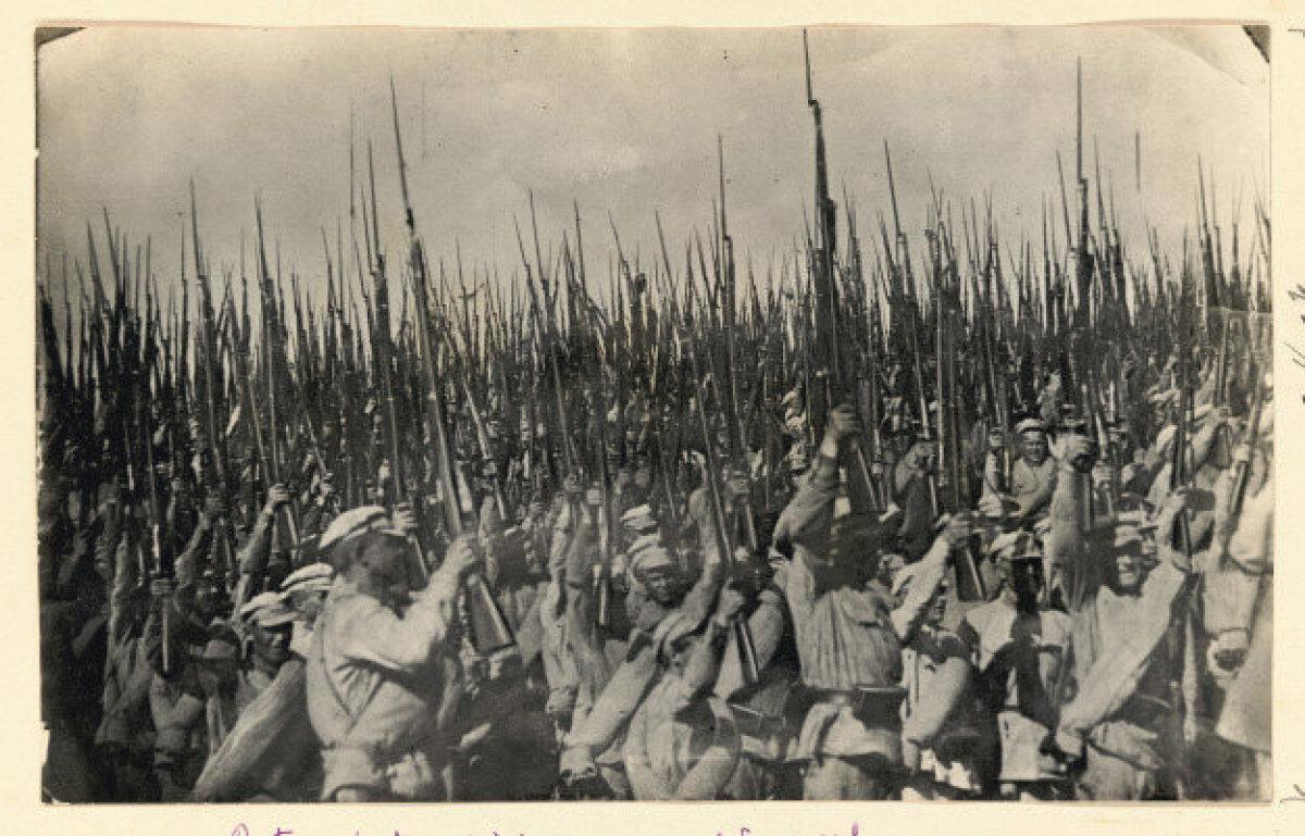 Punaarmee tähistab võitu Wrangeli üle 1920. a. Fotograaf teadmata.