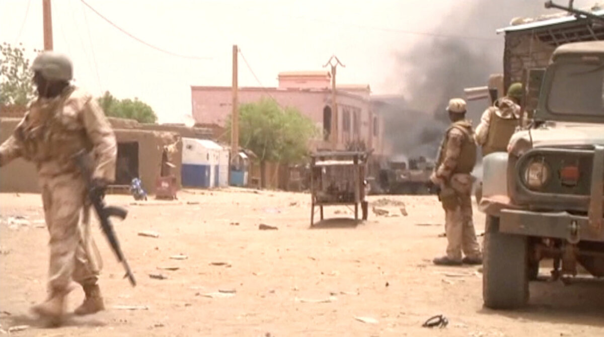 Последствия нападения на французский конвой. Гао, Мали, июль 2017