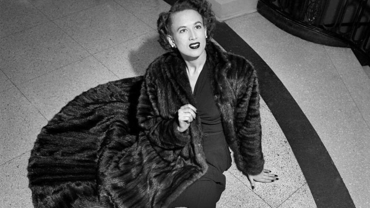 То, что в 1946 году считалось в моде нормой, сегодня - дурной тон