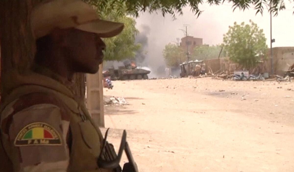 Солдат вооруженных сил Мали
