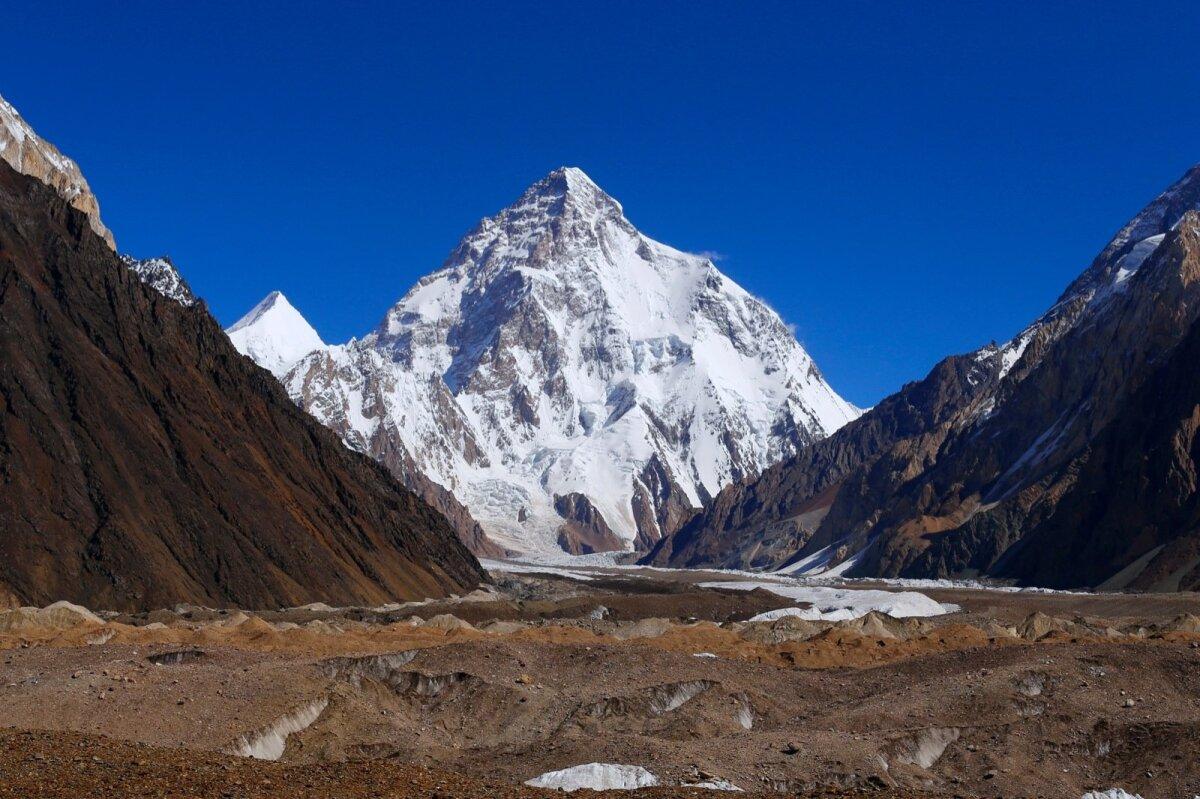 KAUNIS JA HALASTAMATU: 8611 meetri kõrgune K2 vallutati esmakordselt aastal 1954. Möödus koguni 23 aastat, kuni mäe tippu jõudis järgmine ekspeditsioon.