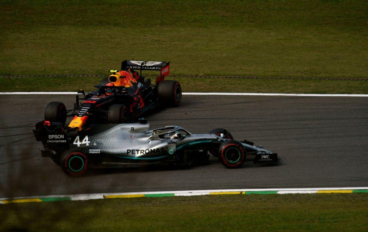 Lewis Hamilton röövis Alexander Albonilt esimese poodiumikoha.