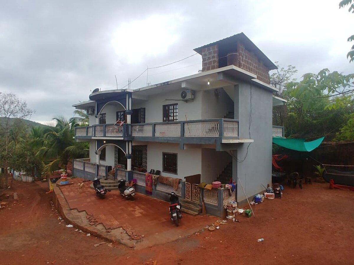 Дом, в котором живет Вадим с 2 друзьями