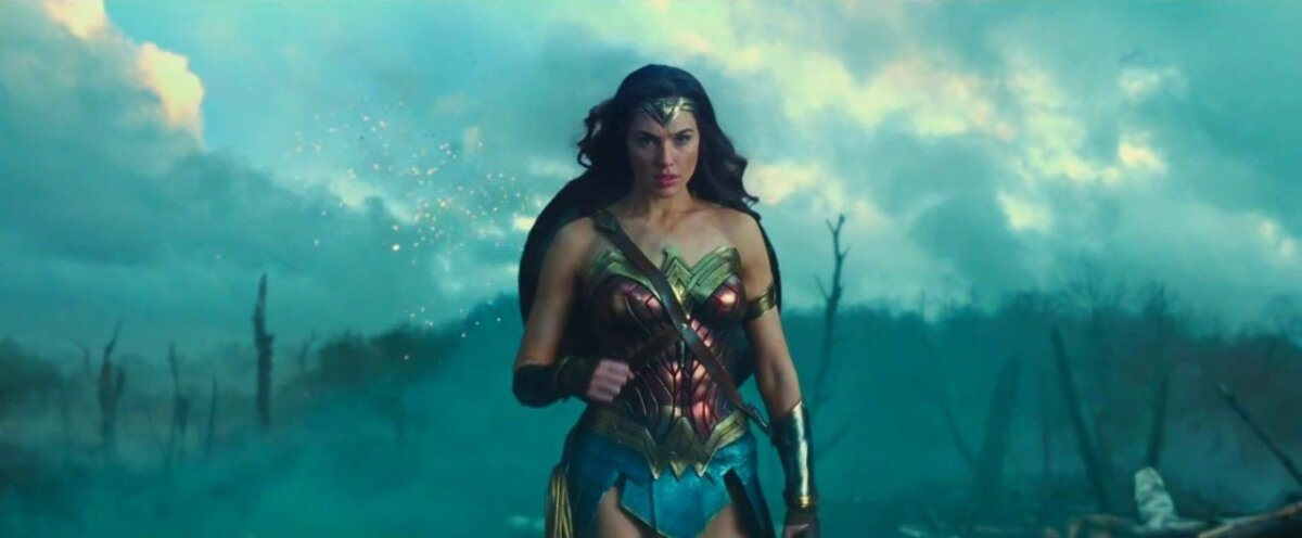 Wonder Woman/Diana (Gal Gadot) astub lahingusse.