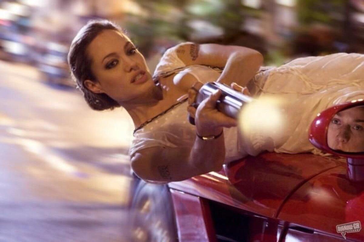 """Angelina Jolie filmis """"Tagaotsitav"""""""