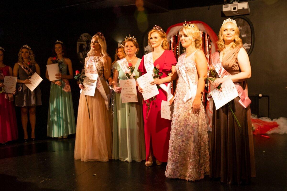 Слева направо: Екатерина Чаклиди, Ирина Ланг, Вероника Вяхк, Лия Корелине, Ольга Михайлик