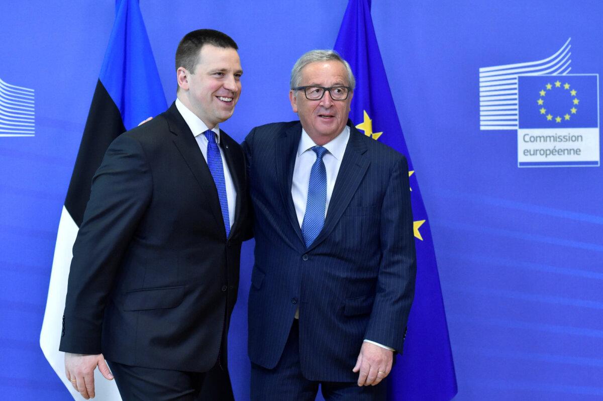 European Commission (EC) President Jean-Claude Juncker welcomes Estonia s Prime Minister Juri Ratas at the EC headquarters in Brussels, Belgium May 3, 2017.