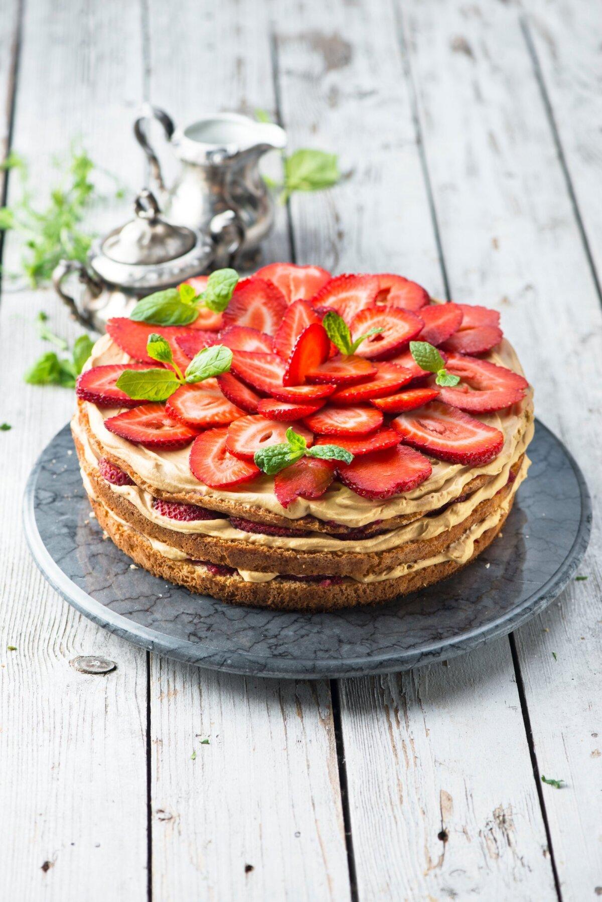 Karamelline maasikatort