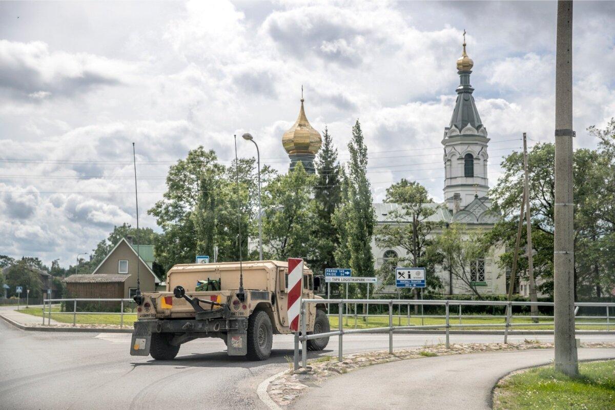 VÄRSKE MÕÕDE: Tapa linna elu on NATO sõdurite kohaloleku tõttu palju muutunud.