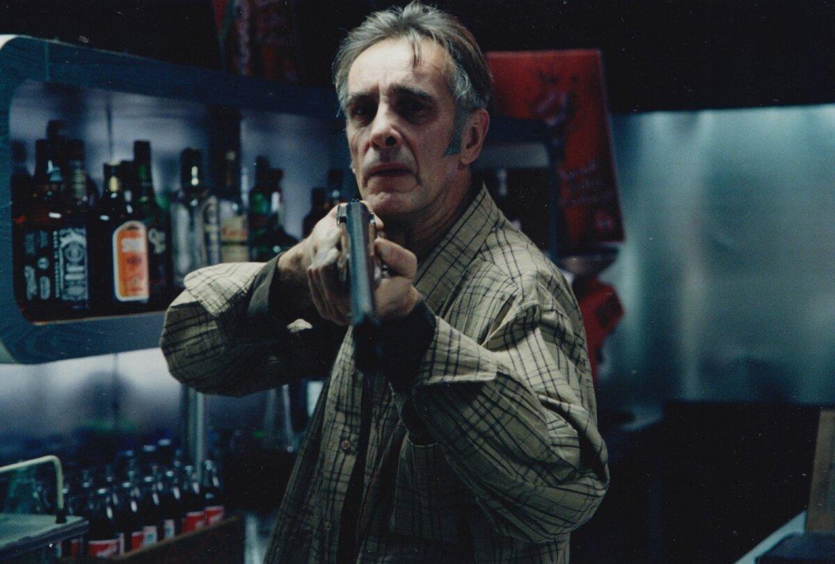 """""""PEREBISNES"""" (2003): Vana mehe rollis Andrus Tuisu lavastatud lühifilmis."""