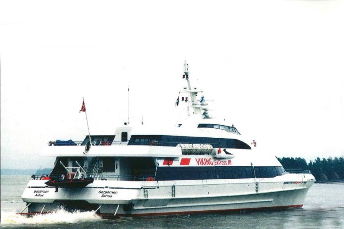 Viking Express III (Sobjornen) liikles 6.5.-30.9.1996. 288 reisijakohaga kiirkatamaraan.