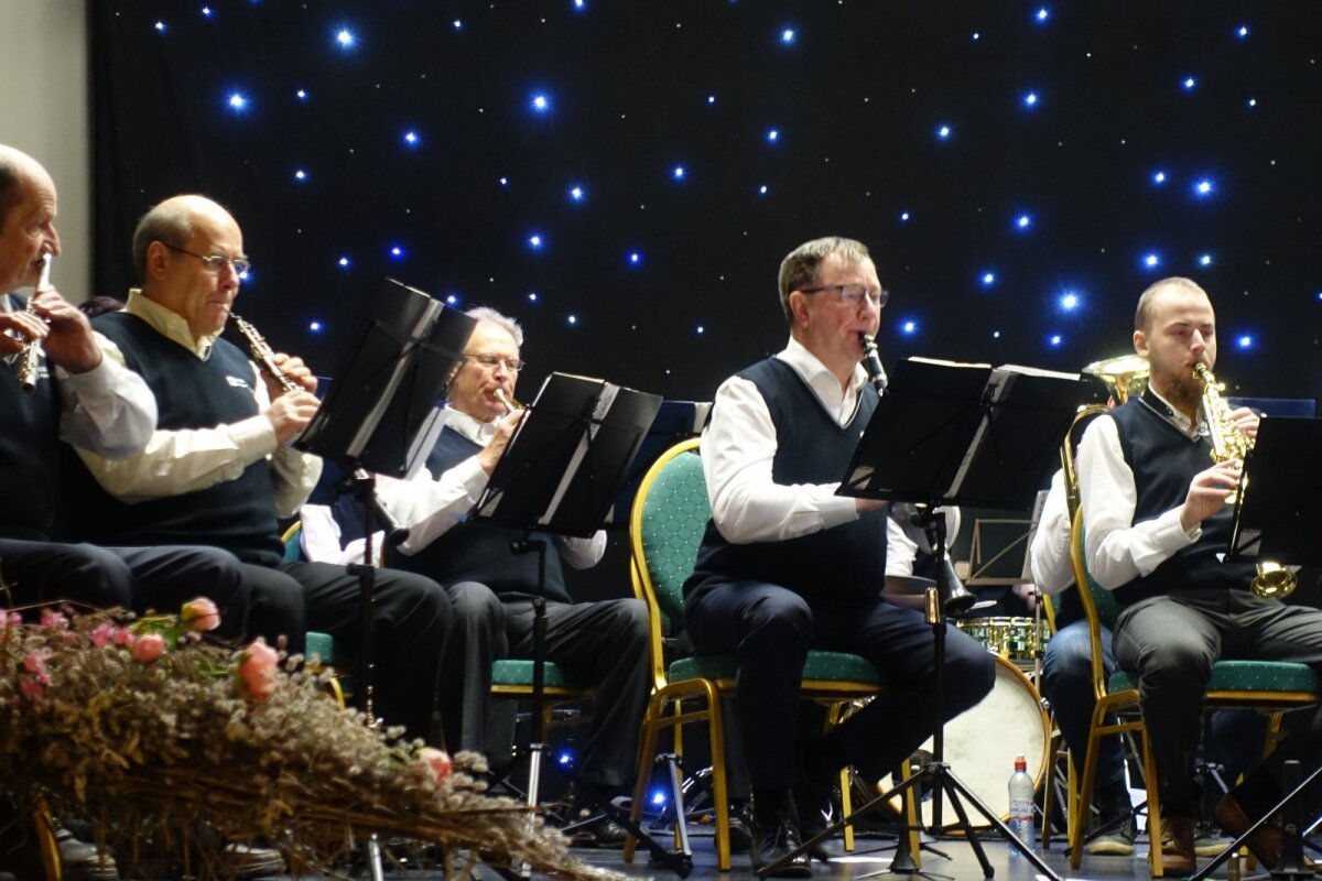 Arvo mängib Elva puhkpilliorkestris klarnetit.