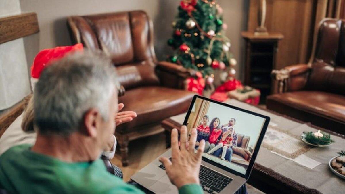 Пожилым людям особенно важно не быть одним в праздники, но именно им необходимо особенно беречься