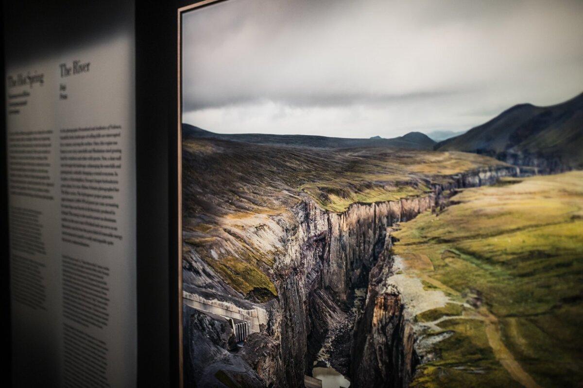 """Helene Schmitzi näitus """"Mõeldes nagu mägi"""" Fotografiskas"""