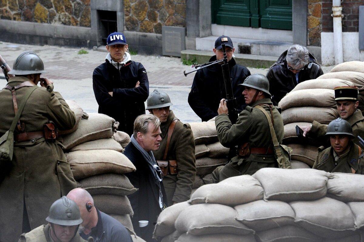 """Nolan """"Dunkirki"""" võtetel vägesid juhatamas."""