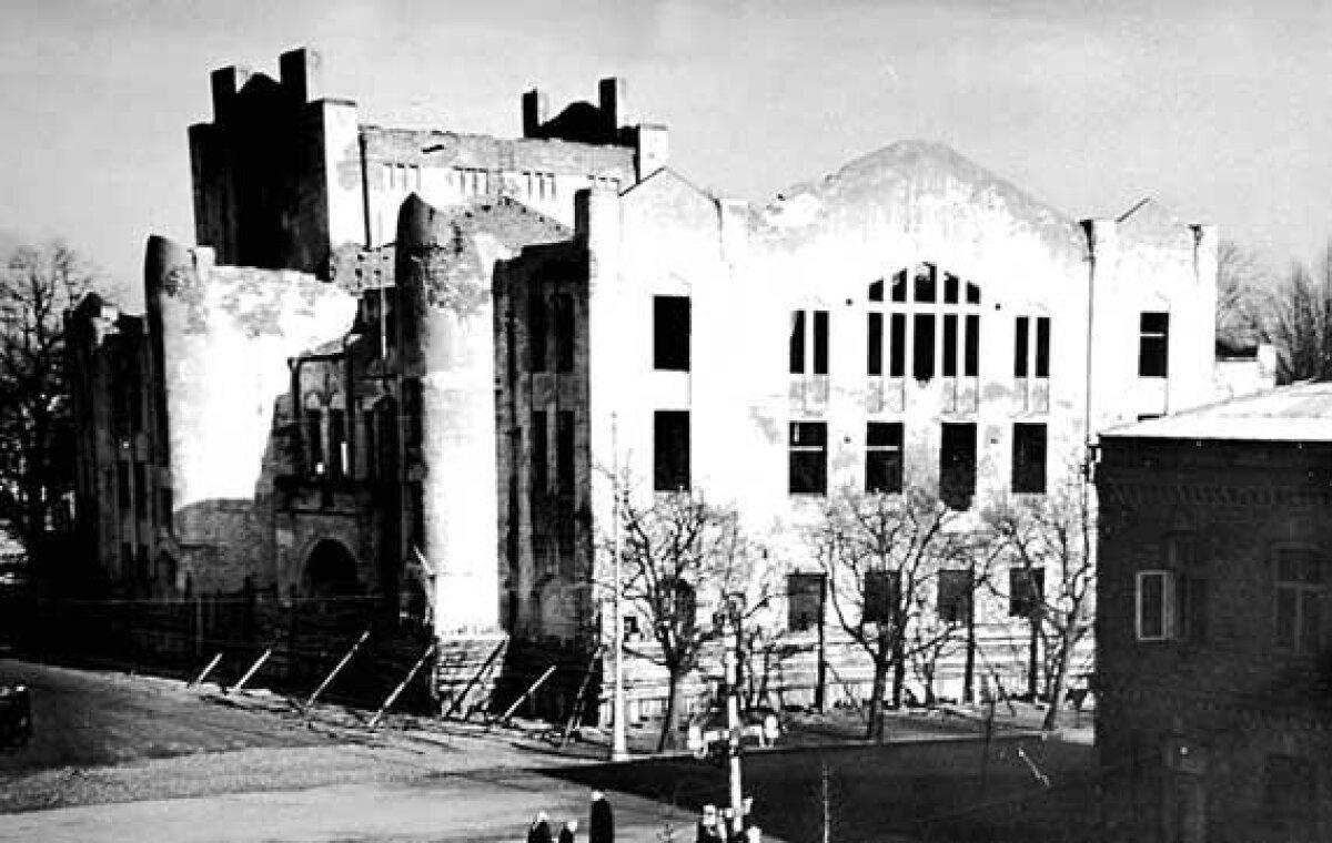 Endla varemed vahetult enne õhkimist 1961. aastal.