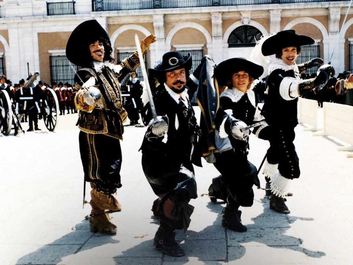 Frank Finlay, Oliver Reed, Michael York ja Richard Chamberlain Kolmes Musketäris (1973)