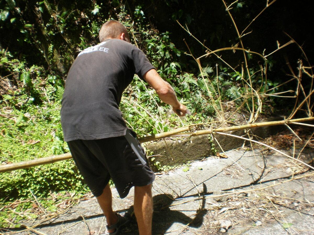 Bambusekaigaste tegemine.