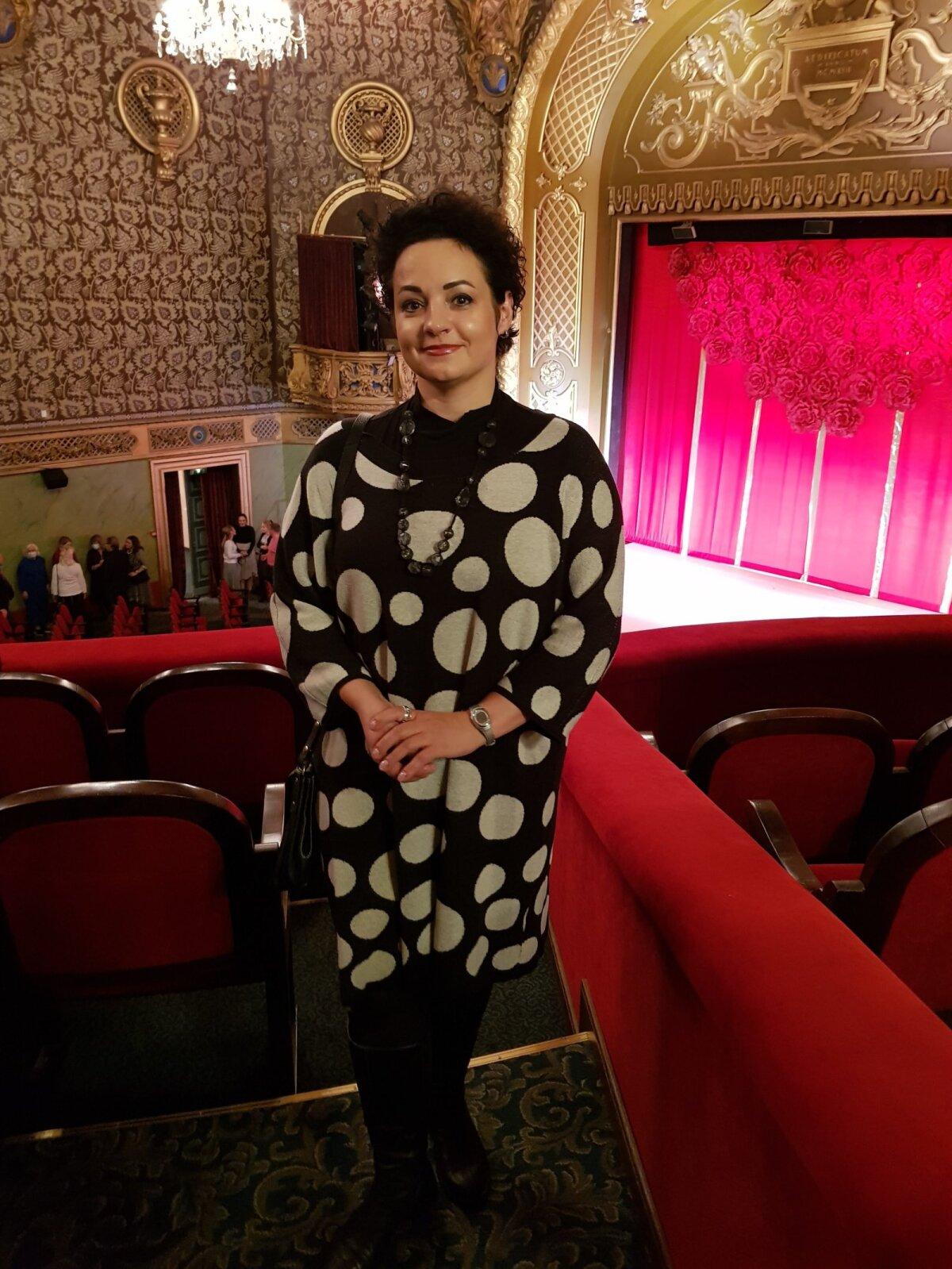 Алла Попова в театре