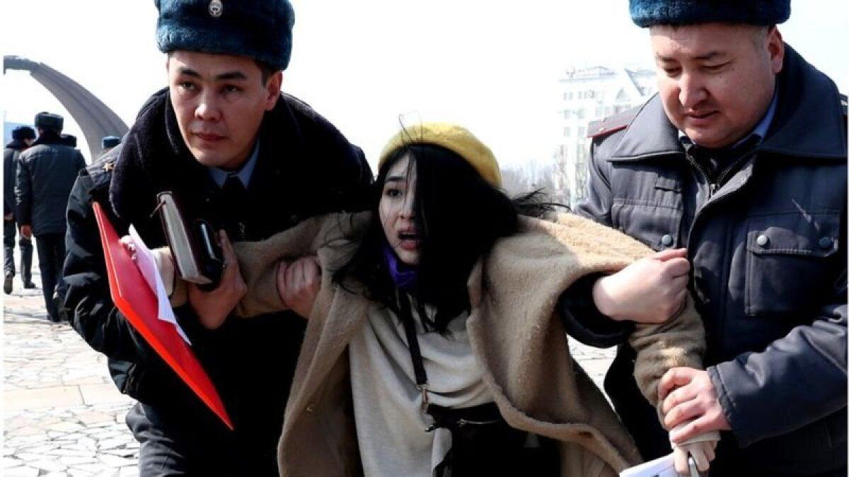 Задержание активисток движения за права женщин в Кыргызстане во время марша 2020 года стало очередным напоминанием о важности такой борьбы