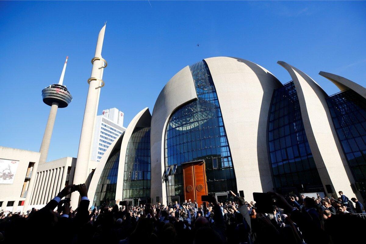 KÖLNI KESKMOŠEE: Uudse pühakotta mahub korraga palvetama 1200 usklikku.