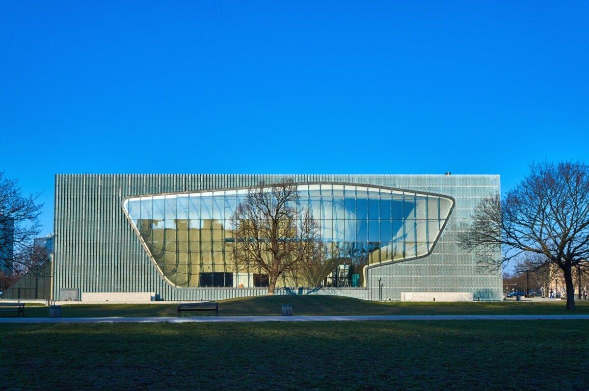 Varssavis paikneva Poola juutide ajaloo muuseumi POLINi hoone on Soome arhitektide loodud.