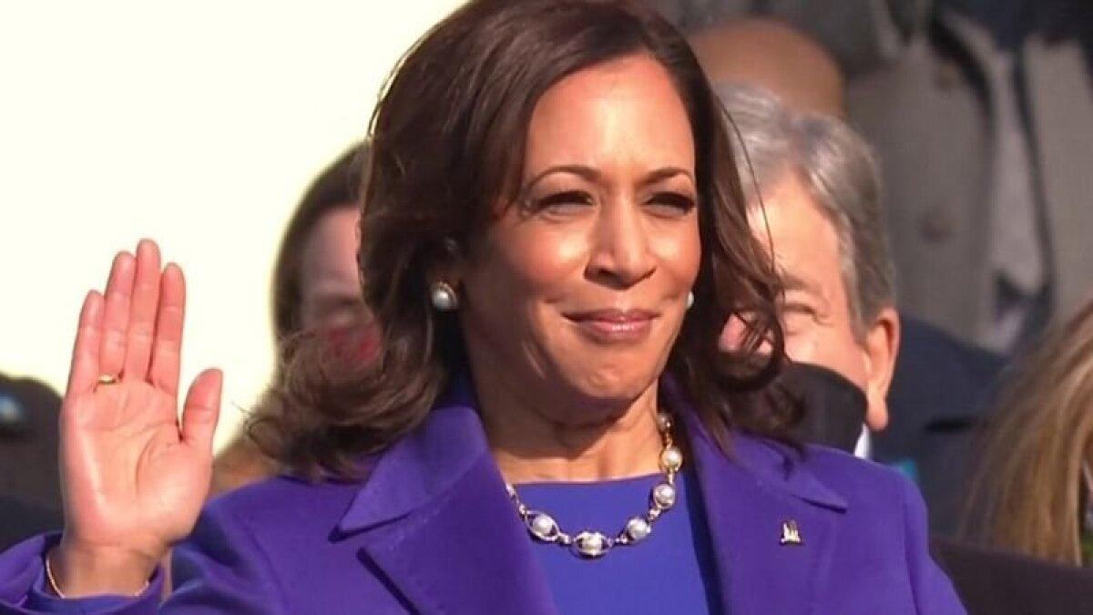 Избрание Камалы Харрис на пост вице-президента США было встречено как большая победа женского движения