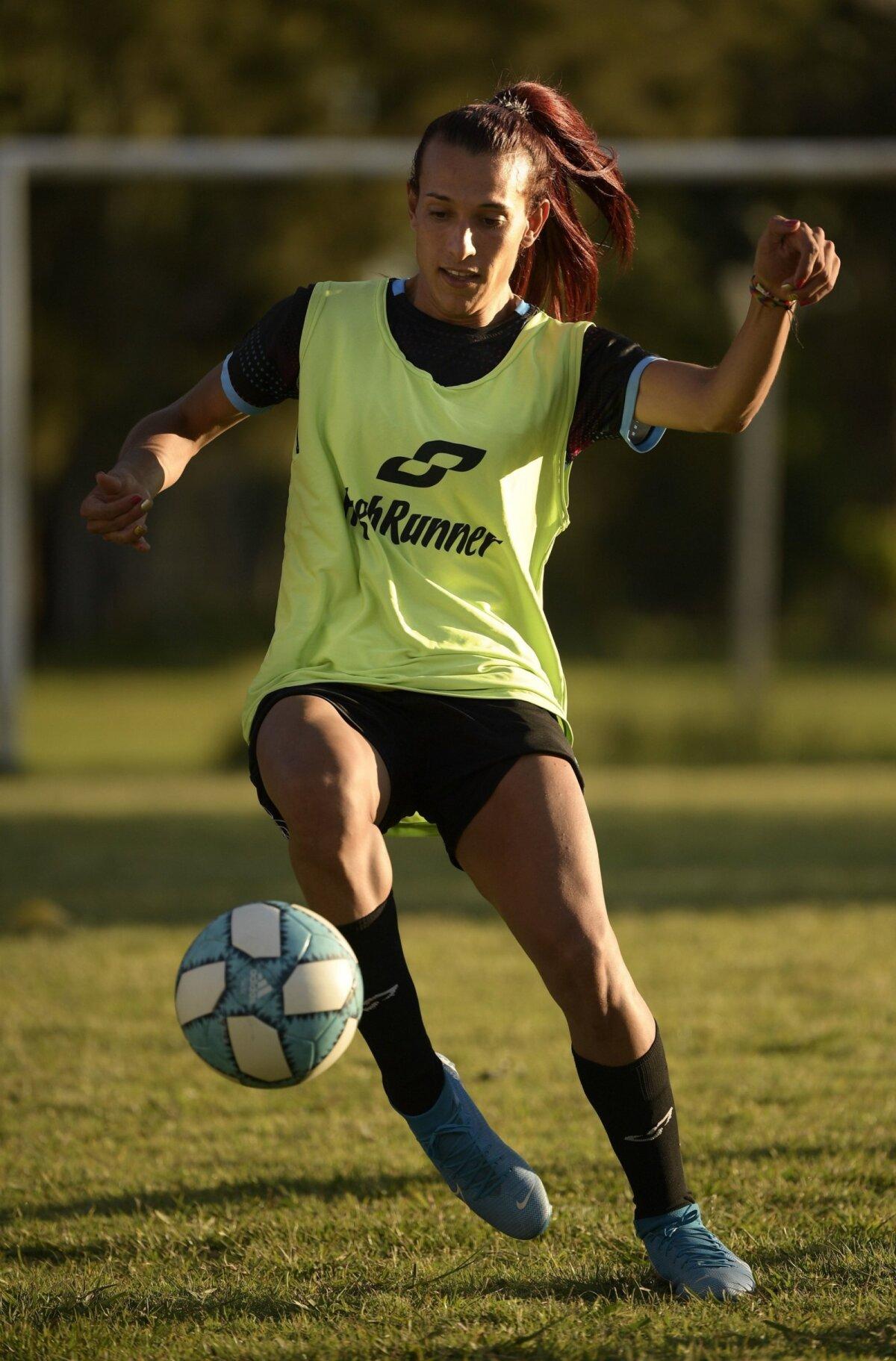 Mara Gomez tahab saada Argentiina esimeseks sugu vahetanud profimängijaks.