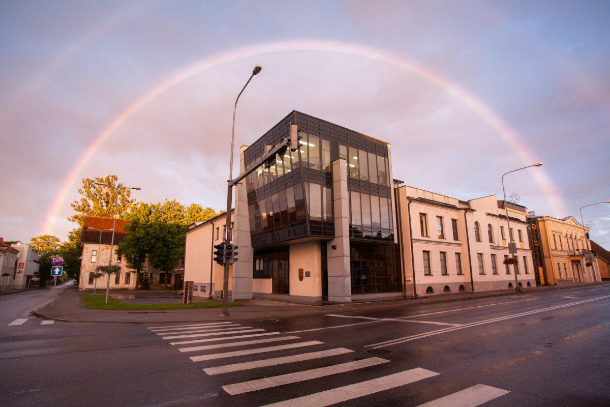 TÜ Viljandi kultuuriakadeemiasse oodatakse haridust omandama igas vanuses õppureid, kel soov end etenduskunstide, kultuurhariduse, muusika või rahvusliku käsitöö valdkonnas täiendada.