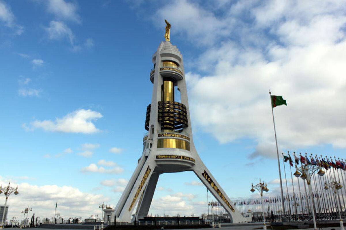 Neutraliteedi monument Ašabadis