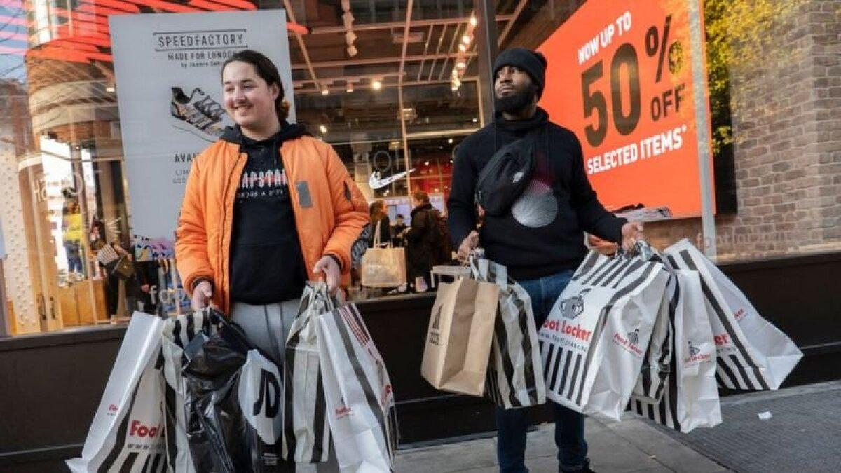 Потребление постоянно стимулируется, и ожидается, что рост в индустрии моды восстановится относительно быстро после пандемии