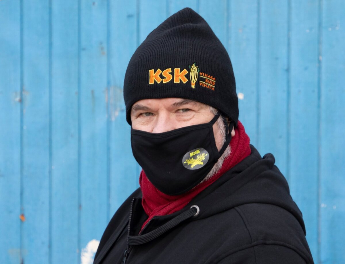 Loo ja üleskutse autor Rein Sikk Kadrina Saunaklubi maskiga.
