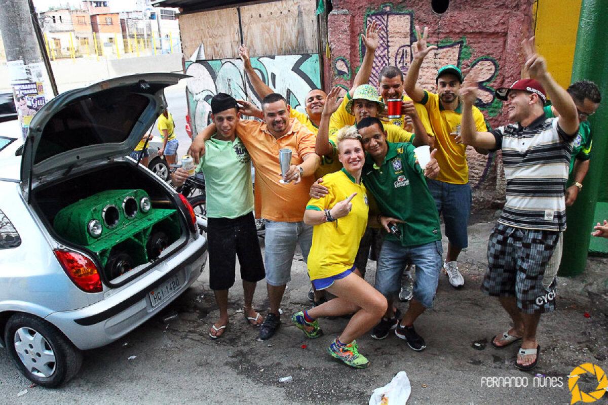 Elu jalgpalli MM-i aegses Sao Paulo favelas.