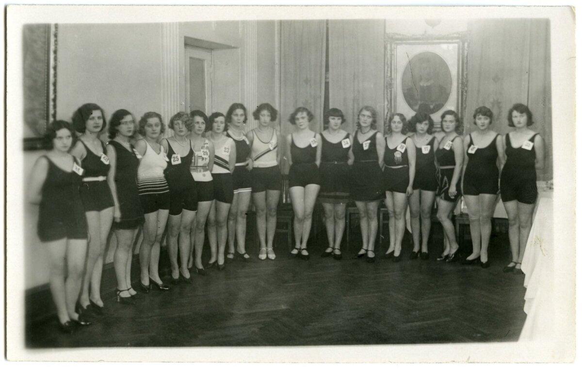 """""""Miss Eesti"""" valimised """"Estonia"""" teatris 1931.a."""