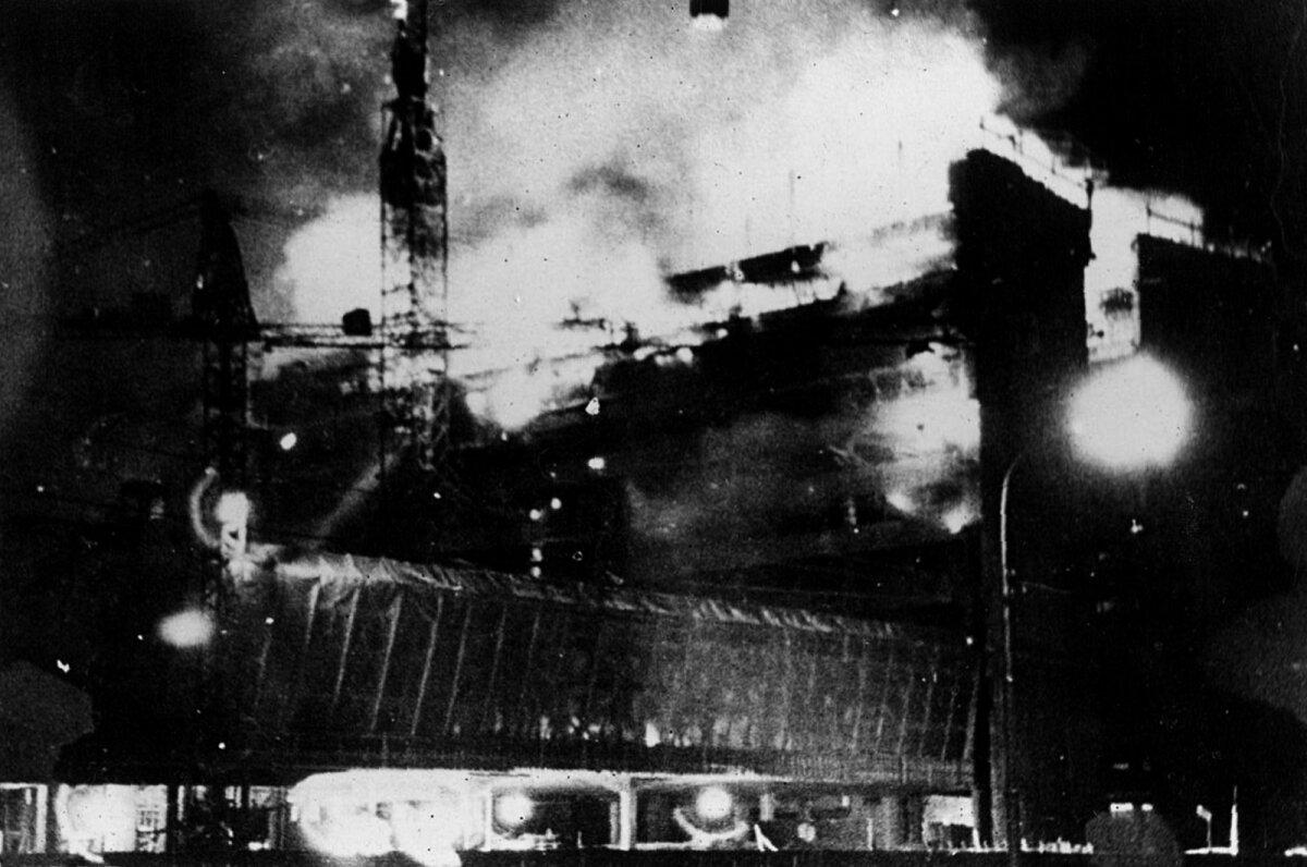 1969. aasta 18. detsembri suur põleng valmimistähtaega ei nihutanud, kuid ehitaja viis see lõpuks pankrotti.