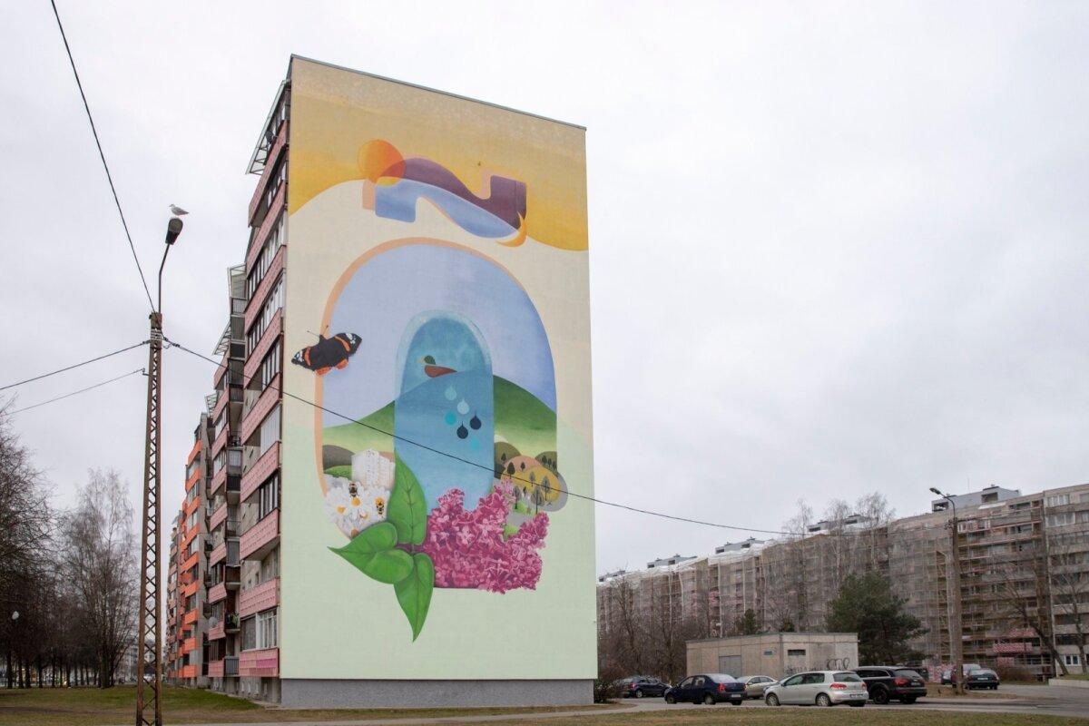 """Õismäe tee 2 hoone otsaseina supergraafiline seinapilt """"Õ"""" valmis eesti keele aasta ja Õ-tähe 200. sünnipäeva auks. Kavandi autor ja tegija on Andreas Luigas (Finostilo OÜ)."""