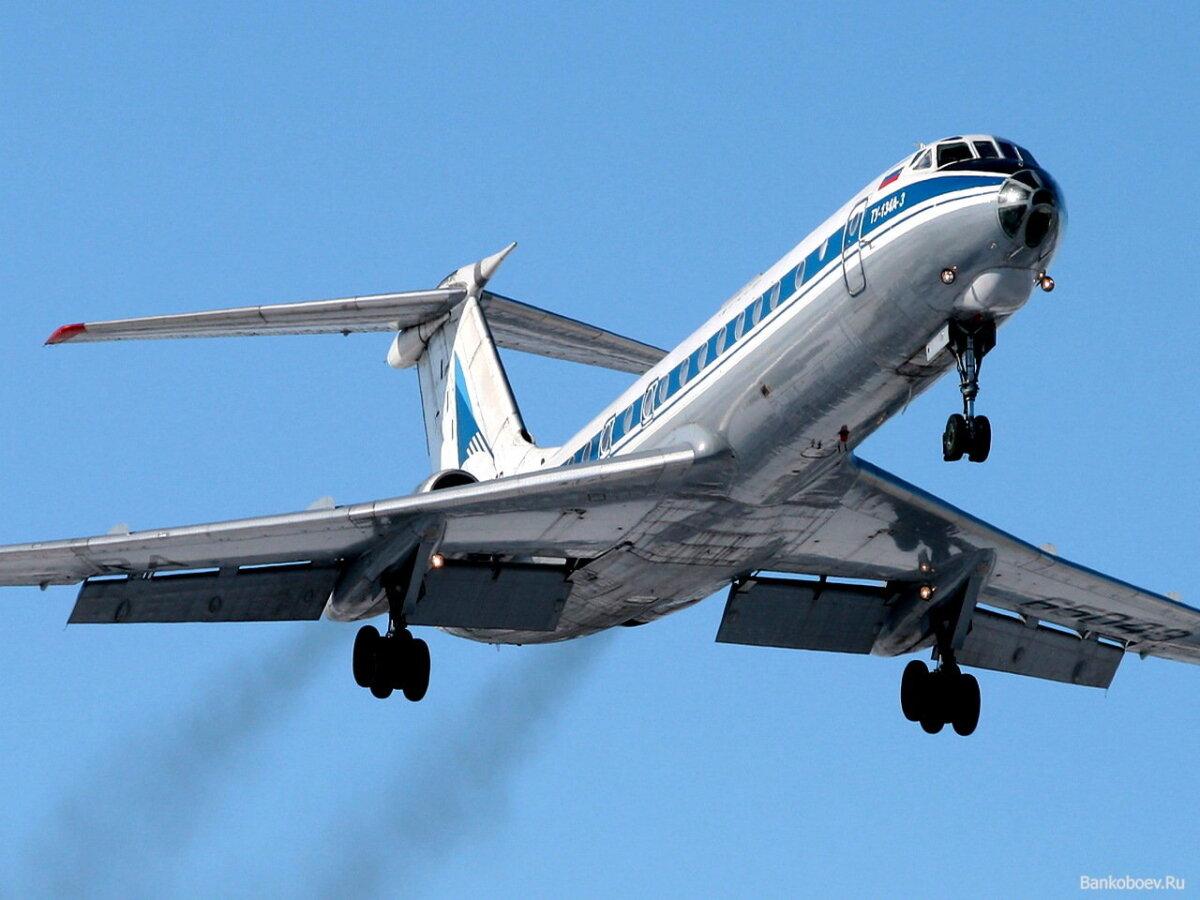 1980. aastatel oli peamine lennuk Tallinna lennuväljal kuni 76 istekohaga Tu-134A. https://v7ved.ru