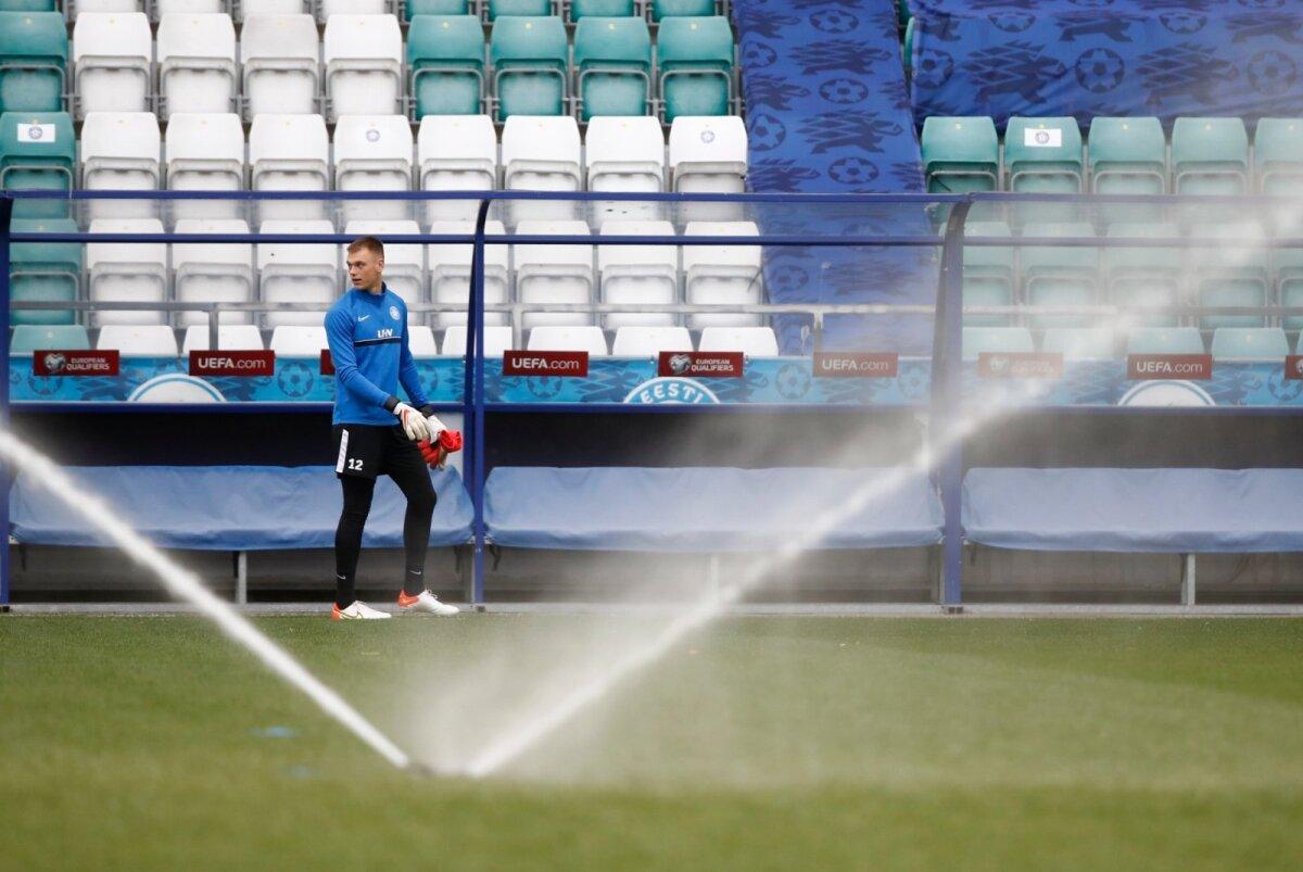 Septembris Walesis tehtud 0:0 viigi peaarhiteks oli Eesti koondise väravavaht Karl Jakob Hein, kelle tõrjeid vajavad Sinisärgid ka homme.