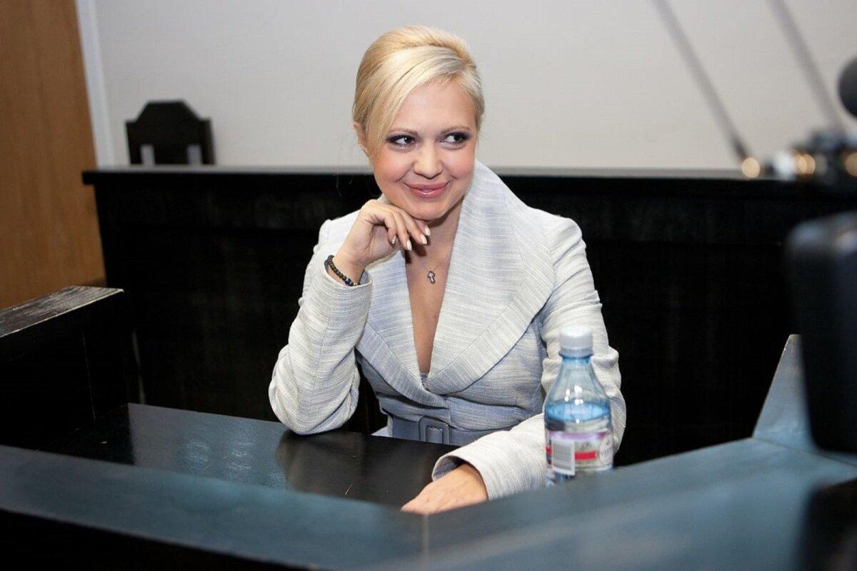 930 743 KROONI EEST KAHJU: MTÜ Eesti Euroopa Liikumine endine juht Anna-Maria Galojan elas ühingu kulul head elu.