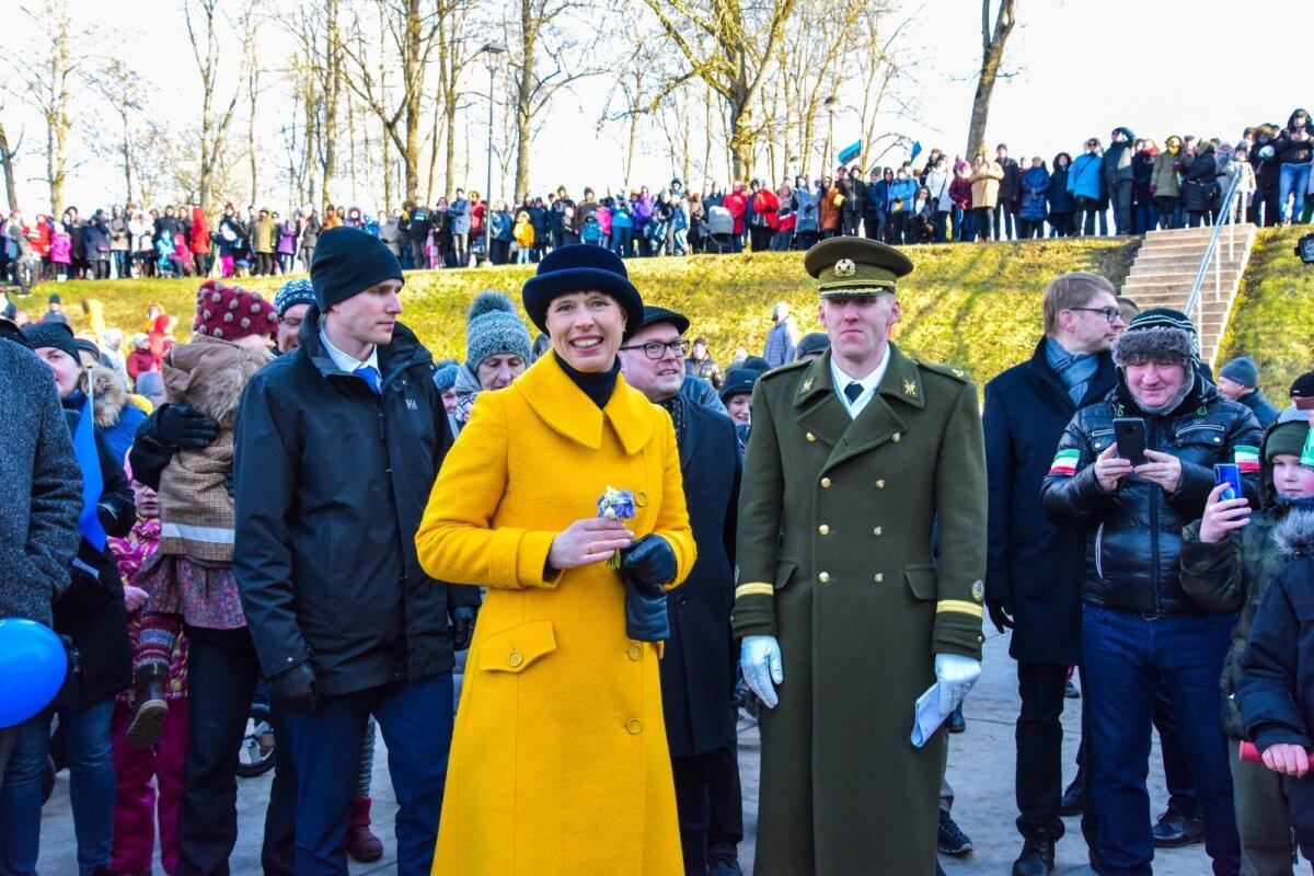 Vaabriigi aastapäeva tähistamine Viljandi laululaval