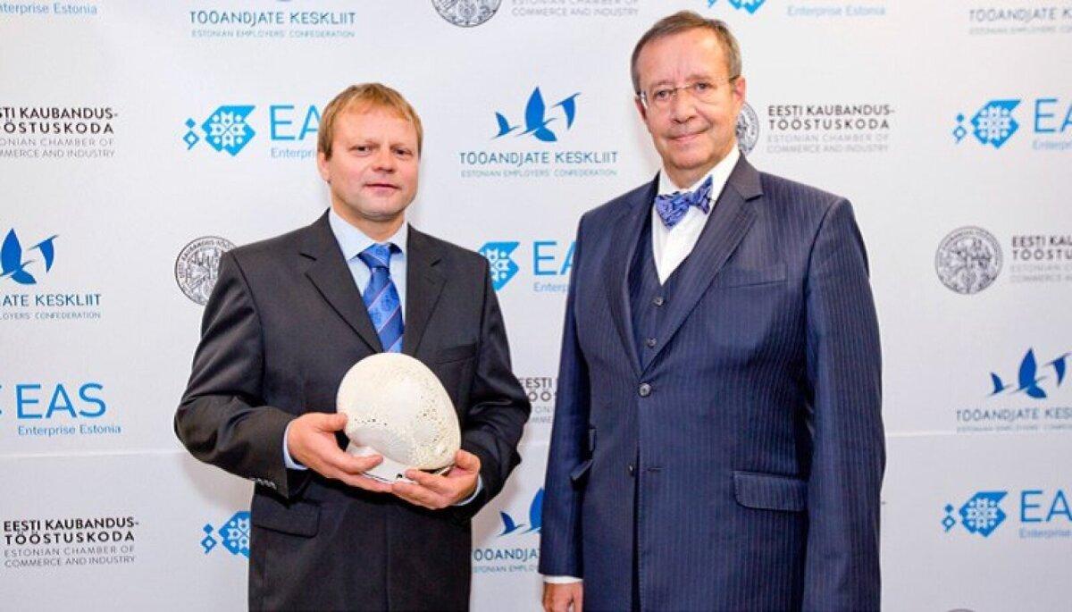2014. aasta ettevõtte juht Andry Prodel (vasakul) ja president Toomas Hendrik Ilves auhinnagalal.