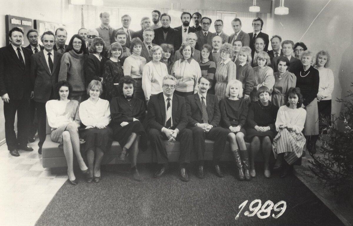 TOIMETUS: Rahva Hääle toimetus 1989. aastal. Esireas keskel Toomas Leito.