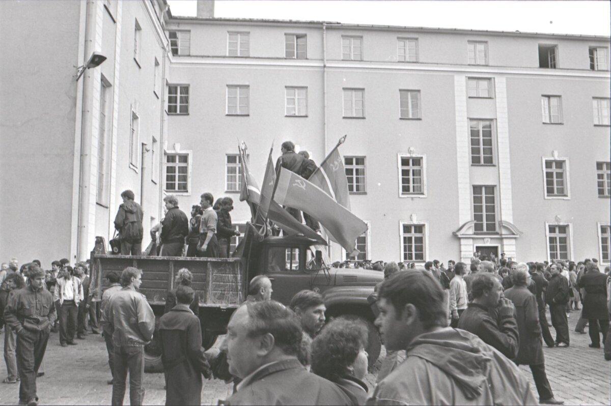 Kallur, mille katuselt mässujuht Mihhail Lõssenko riiki ja valitsust sõimas, kuulus Ministrite Nõukogu Asjadevalitsuse Autobaasile.