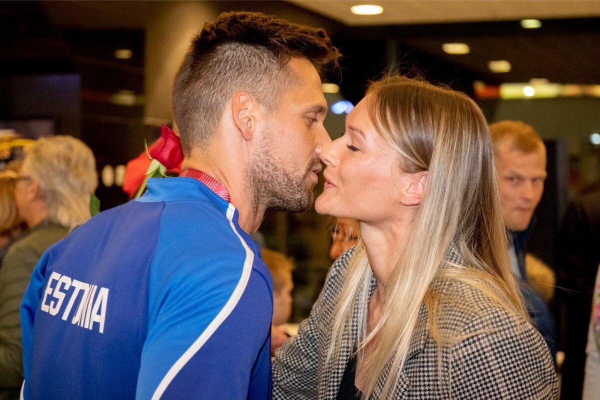 Magnus Kirt ja Läti seitsmevõistleja Laura Ikauniece polnud augustis pärast Doha MM-i oma suhet veel avalikuks teinud, kuid lennujaama musi tegi seda nende eest.