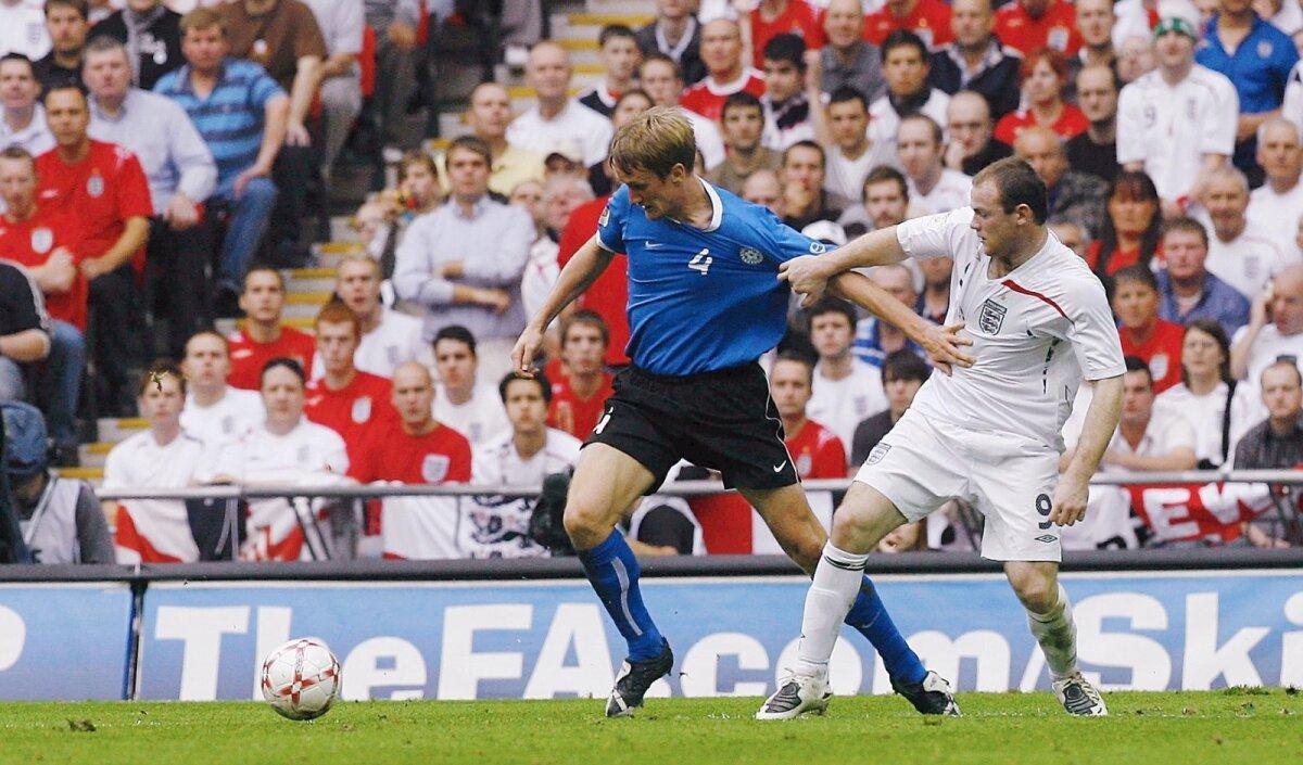 Raio Piiroja Wembley staadionil Wayne Rooney'ga maadlemas.