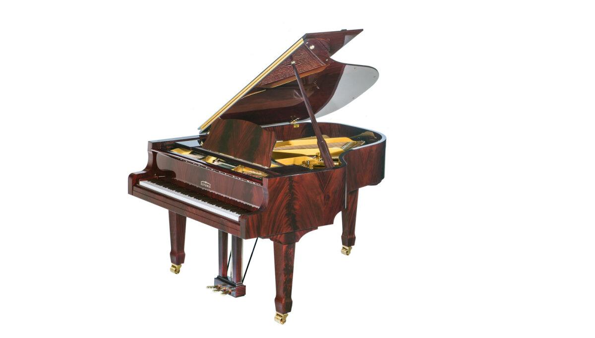 При изготовлении самого эксклюзивного рояля Фабрики роялей «Эстония» используется пирамидальный махагон из ассортимента натурального шпона MASS.