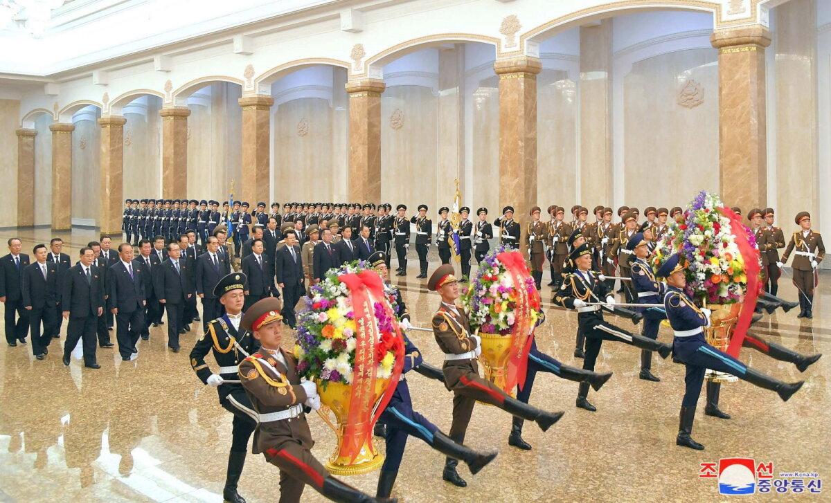 Põhja-Korea pealinnas Pyongyangis toimusid riigi rajaja Kim Il-sungi sünniaastapäevapidustused sel korral ilma Kim Jong-unita.