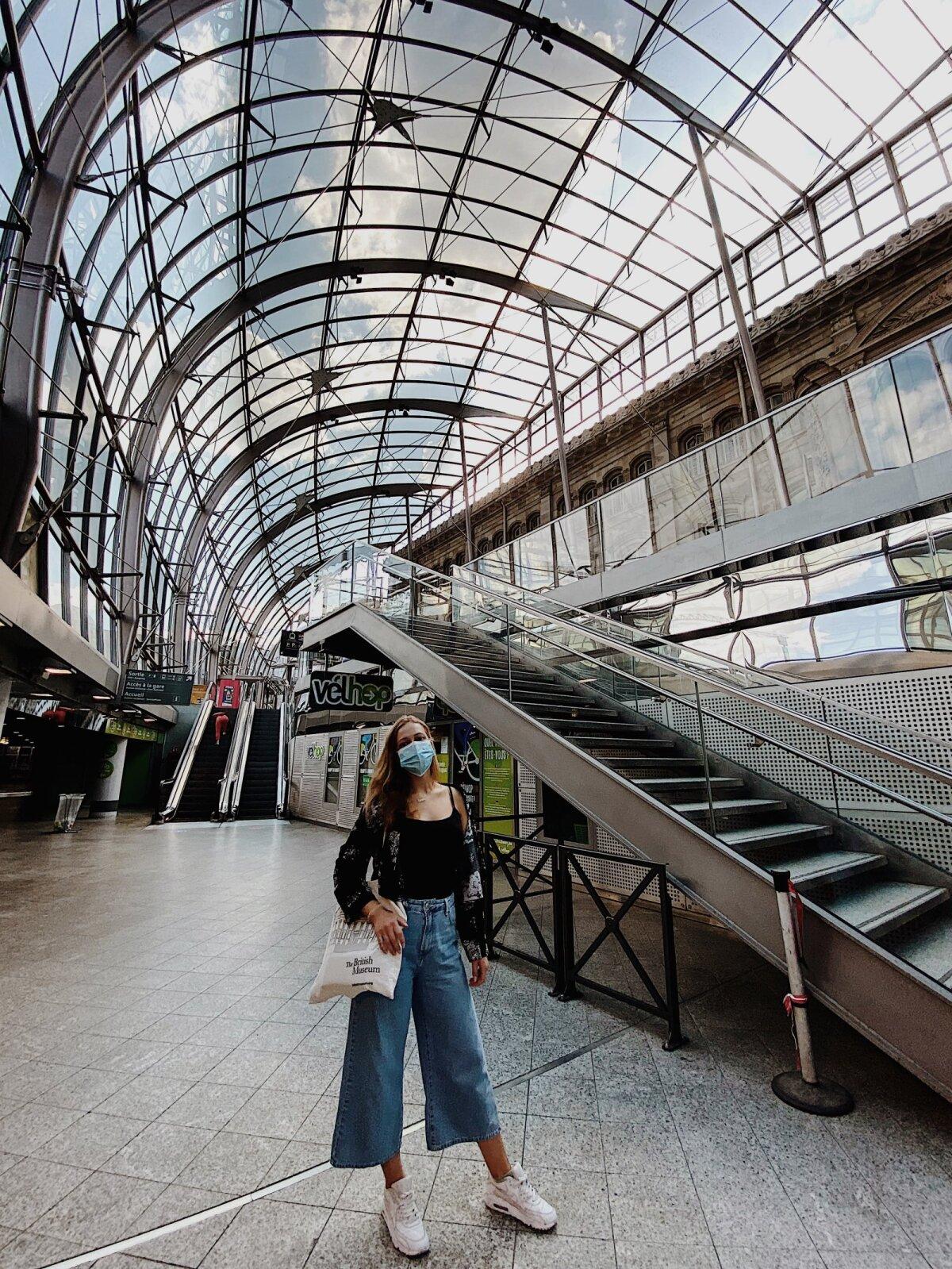 На железнодорожном вокзале после карантина