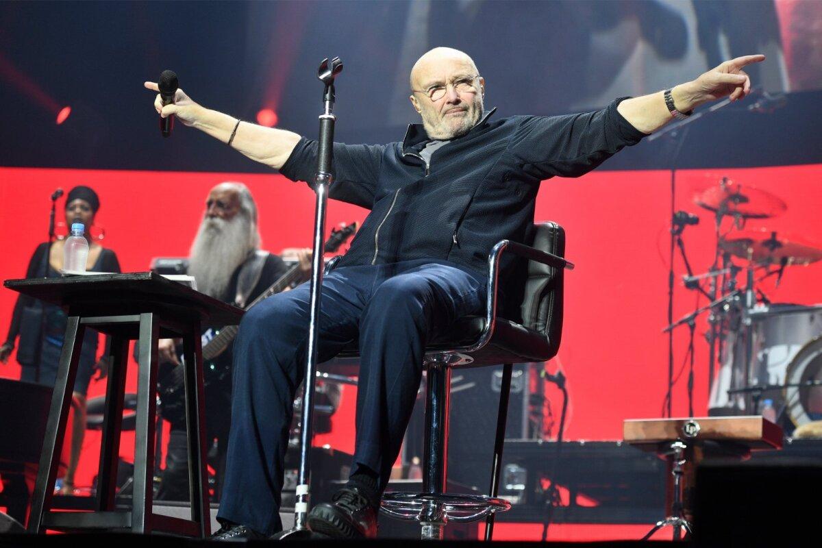AEG ON TEINUD OMA TÖÖ Phil Collinsil on raskusi käimisega, kuid see ei takista teda laval säramast.