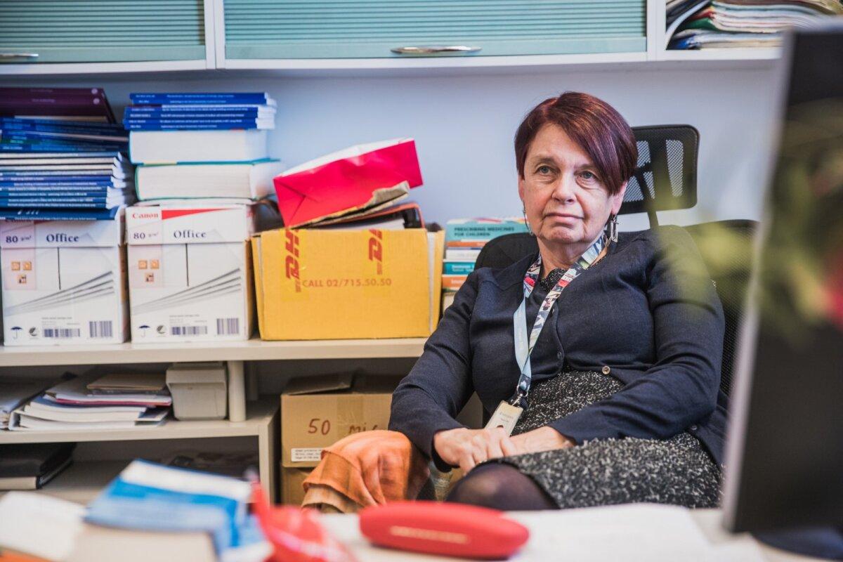 """""""Minu spekulatsiooni kohaselt laiutab Eestimaal Briti tüvi ja ei lase LAVi omal võimust võtta,"""" sõnas viroloog Irja Lutsar."""